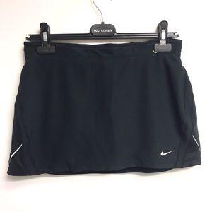 NIKE NikeFIT Skirt With Shorts Underneath Black M